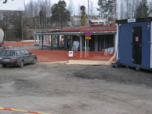 Blogiaihe. Tältä näytti vanha Linja-autoasema Äänekoskella jos joku muistaa nähneensä. Nyt se on jo poissa, joten melkoinen muutos kuitenkin aika pieneen paikkaan. Tuleekohan identiteettikriisi ? =p