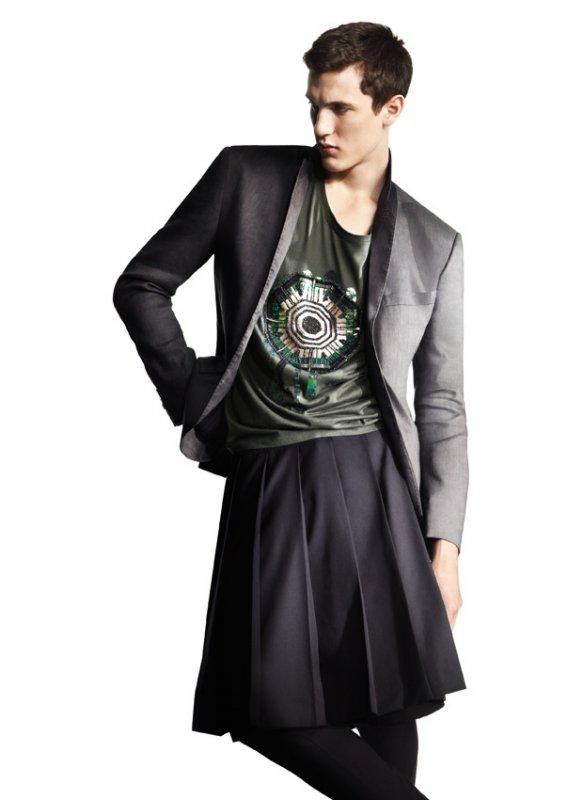 H&M Kevät 2010 -kokoelman miesten hame