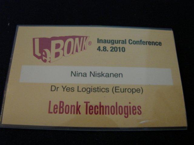 LeBonkin avajaisissa jaetuissa nimilapuissa oli keksityt tittelit.