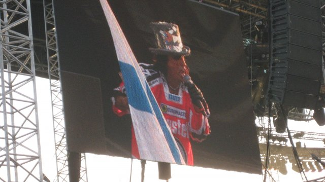 Sonisphere 2010 : Patapaidassa luki Cooper eli Alice Cooper Suomi-lippuineen ! =D