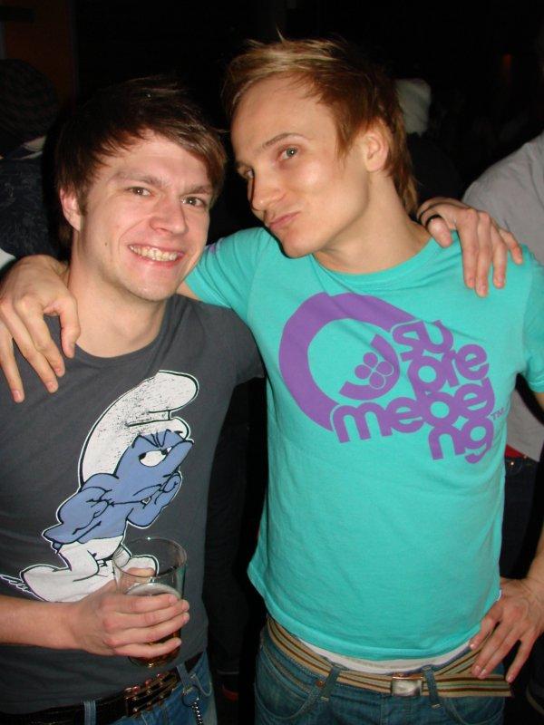 """Malmi Vice @ The Circus 19.3. Töissä käyvän Jussin, 27, kaveri Ville, 29, sanoi olevansa bändäri. Tyttö- vai poikabändien? """"En rajoita."""" Rajatonta."""