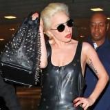 Lady Gaga Void of Coursen kumimekossa