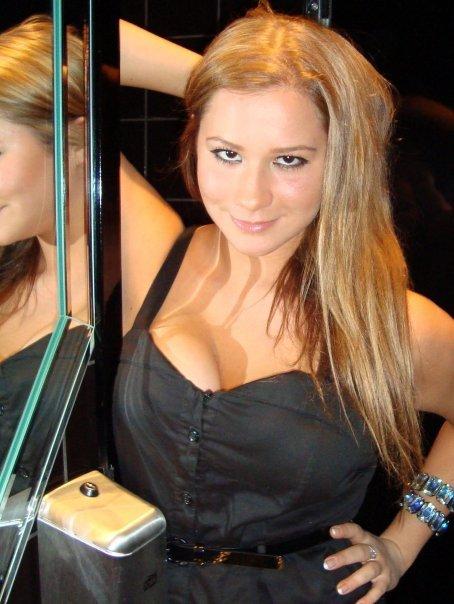 naisten lyhyitä hiusmalleja thai sex massage