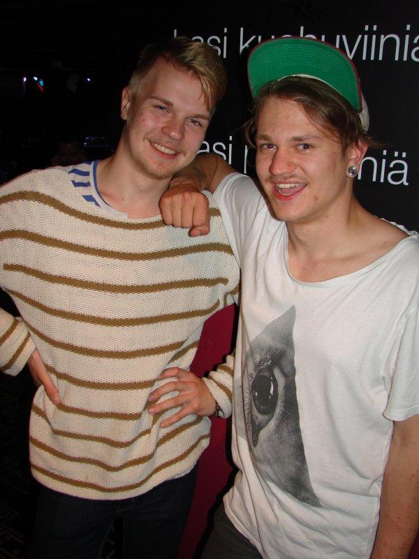 Battle of Dj's @ LeBonk 17.6. Toiseksi sijoittunut dj-kaksikko Jesse ja Viktor, eli Bravik. Jesse korvasi etunimensä alun vähän paremmalla kirjainyhdistelmällä