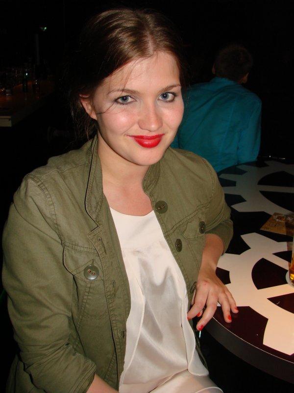 Battle of Dj's @ LeBonk 17.6. Jonna, 26, kirjoittaa Polka Dots-blogia. Että se on sitten vain trendikästä, kun tällä naisella on tuhkarokko.