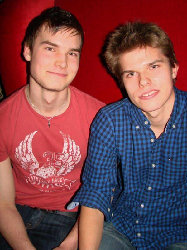 Fredan Tivoli 3.3. Yritystalouden opiskelija Markuksen, 20, kaveri graafisen suunnittelun opiskelija Max, 20, käy täydellä teholla.