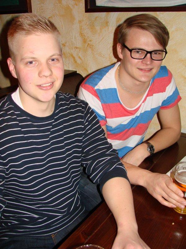 Sports Academy 18.4. Opiskelijat Jonas, 21, ja Raul, 22. Raita tulee lisukkeena.