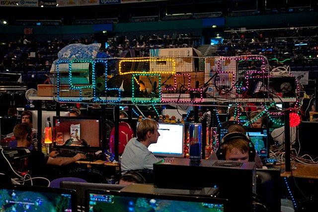 Tetrispalikat koristavat tietokonepaikkaa.