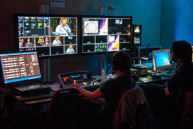 AssemblyTV:n ohjaamo viimeisen compostudion aikaan.
