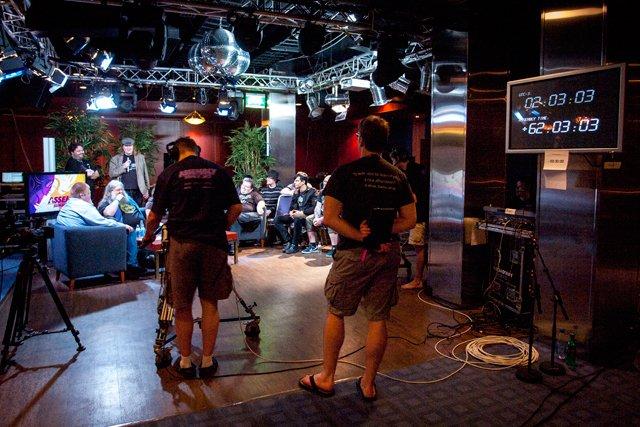 AssemblyTV:n studio kulissien takaa.