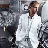 Trancetähti Armin Van Buuren nousee Weekend Festivalin päälavalle