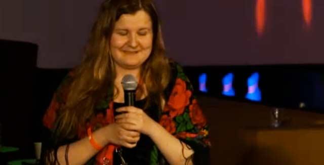 Jenni Toivoniemi sanoi kiitospuheessaan, ettei ole aiemmin voittanut muuta kuin hedelmäkorin viisivuotiaana.