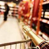 Kuuluisivatko miedot alkoholijuomat kaupan hyllylle?