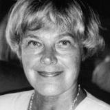 Elisabeth Rehn - Nainen oikealta