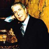 Leonard Cohen täyttää Sonera Stadiumin tunnelmalla