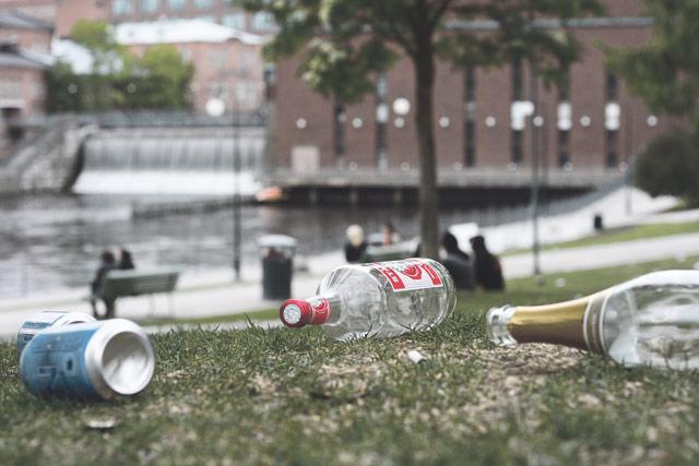 Konkreettisen saasteen lisäksi Koskipuistosta halutaan siivota myös eläviä roskia.