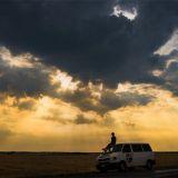 Autolla on pitkä matka Nepaliin