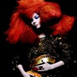 Myös Björk esiintyy Flowssa