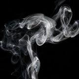 Tupakkakauppa pitää tuotteensa esillä