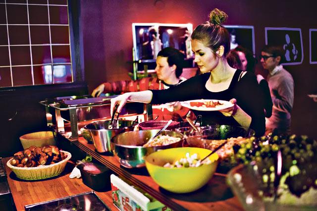 City-lehden lukijat äänestivät Pacificon brunssin viime tammikuussa Helsingin parhaaksi brunssiksi. Kesällä pöytä uudistuu.