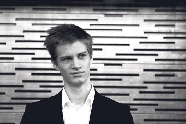 Pianisti Johannes Piirron mielestä maailman rumin ääni syntyy Idolsin alkukarsinnoissa.