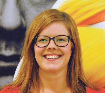 Katri Nummelin pelaa joukkueessaan linjapelaajaa pelipaikoilla yksi tai kolme.