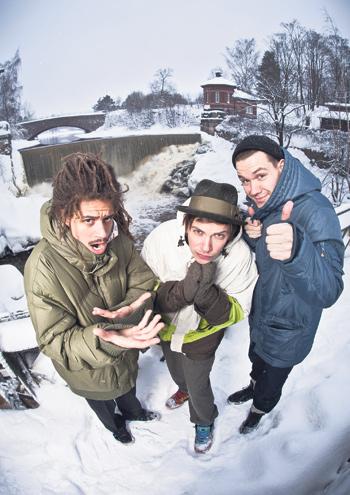 Juno, Nopsajalka ja Jonas Karlsson odottavat jo kesän isoja ulkoilmakeikkoja.
