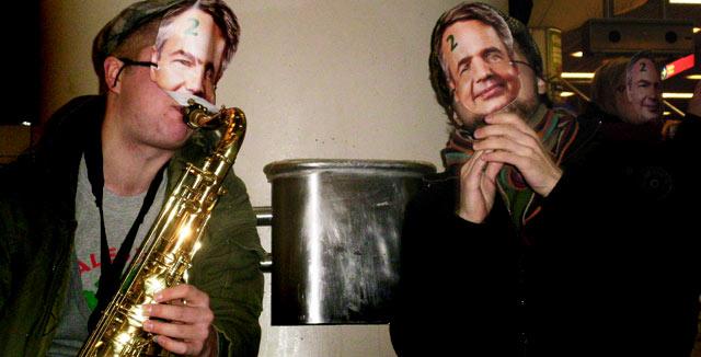 Saksofonisti nostatti tunnelmaa Haaviston Flash Mob -tapahtumassa.