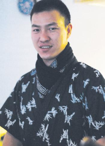 Watamin kokki Liu Dao on työskennellyt aikaisemmin sushiravintoloissa Tanskassa ja Italiassa.