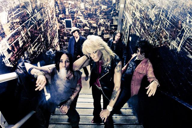 Monroen bändiin kuuluu nykyisin Sami Yaffa, Karl Rockfist, Dregen ja Steve Conte.