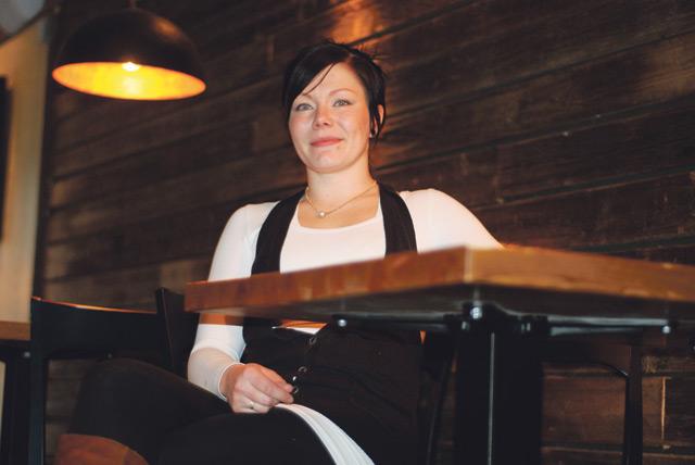 Ravintolapäällikkö Anitta Lahtinen uskoo Roastin tulevaisuuden näyttävän lupaavalta.