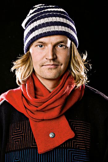 """Rasmus Tikkanen ei ikinä laittaisi ylleen: """"Liian lyhyitä housuja. Housut pitää voida taitella, mielellään moneen kertaan."""""""