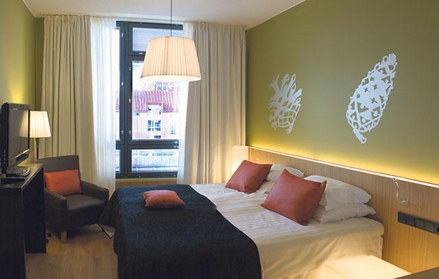 Puikkarin Käpy-kerroksen vihreä huone.