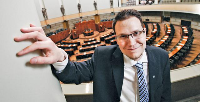 Perussuomalaisten Olli Immosen mielestä kohtuullinen kansanedustajan palkka olisi 5000 euroa kuukaudessa.