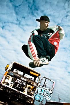 Rudi esiintyy myös Beat Warriors -ryhmässä, jossa on street- ja break-tanssijoita.