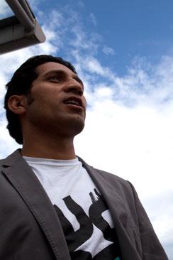 Faisal Shohzad on Pakistanista ja töissä Itellassa.