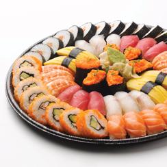 Hanko Sushin annokset valmistuvat osittain myös  japanilaisten kokkien voimin.