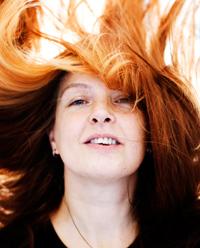 Nea Lindgrénin hiukset ovat Walter De Campin löytö.