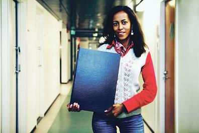 Sosiaalityöntekijä Zahra Osman-Sovala vastaa somaleita koskeviin kysymyksiin.
