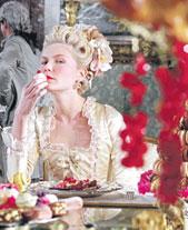 Marie Antoinette -leffa vaikutti Style.comin mukaan Anna Suin, Peter Somin ja Louis Vuittonin kevätkokoelmiin.