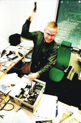 Teknillisen korkeakoulun tietotekniikan professori Hannu H. Kari langettaa internetille kuolemantuomion.