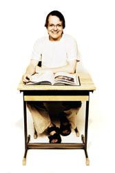 Kimmon keskiarvo oli yli yhdeksän, mutta hän ei mennyt lukioon.
