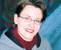 Ulla Konkarinkoski on tietojenkäsittelyn tradenomi ja on töissä Nokialla Information Coordinatorina.