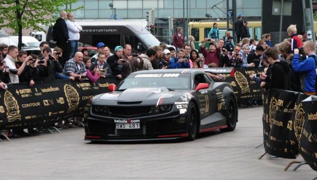 Kilpailun ehkä ilkeimmän näköinen auto tämä Camaro.