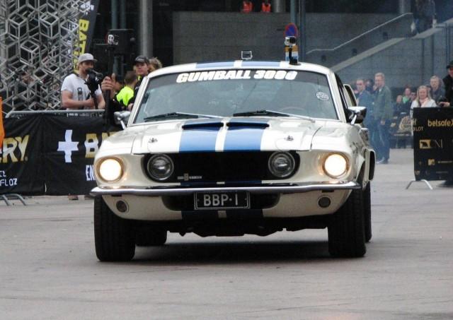 Näyttävä vanha Mustang. Heilläkin oli pientä revittely-yritystä.