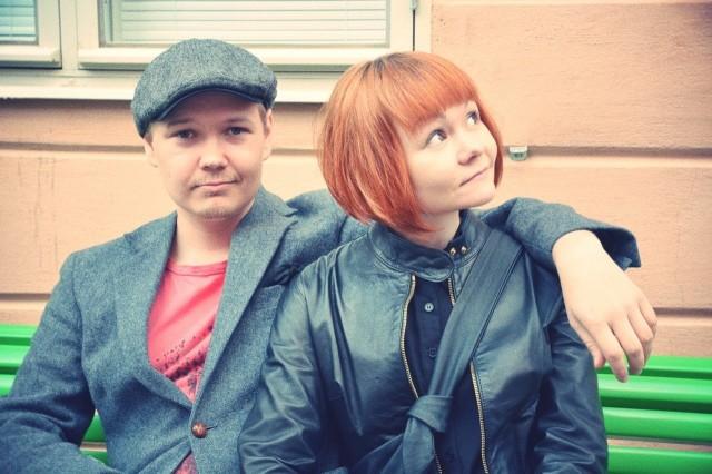Muotikuvaaja ja dokumentaristi Pauli Siuruainen juhli tyttöystävänsä, graafikko Minna Aallon kanssa.