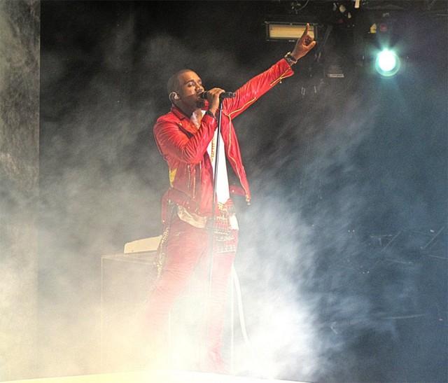 Kuvat (c) minä Flow-festivaaleilta 2011.