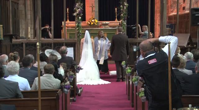 Pappi pisti jalalla koreasti.