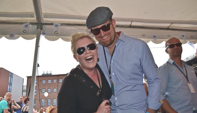 Helsinkiläiset Heidi ja Kimmo nauttivat VIP-tunnelmasta.