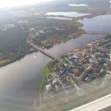 Menestyjä osaa katsoa asioita korkealta, mutta ymmärtää myös yksityiskohdat. Kuvassa Rovaniemi lentokoneesta kuvattuna.